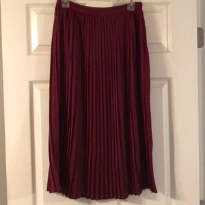 Mossimo skirt size 6 pleated